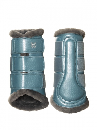 steel-blue-brushing-boots.jpg